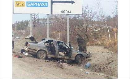 Насмерть разбились водитель и пассажир BMW у бердской Речкуновки