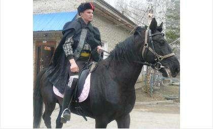Идёт подготовка ко Дню Победы в Бердске. 21 апреля требуются сильные руки