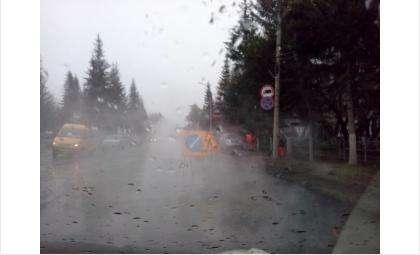 """Сегодня в дождь """"ложили"""" на Ленина"""