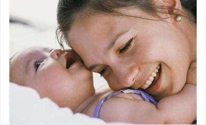 От жителей Бердска ждут вопросы по маткапиталу и выплатам для семей с особенными детьми