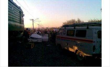 «Тойота» в Искитимском районе врезалась в грузовой поезд