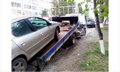 «Зачистка» неправильно припаркованных автомобилей в Бердске