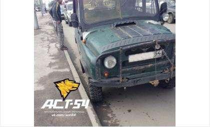 Пьяный водитель УАЗа сбил девушку и скрылся