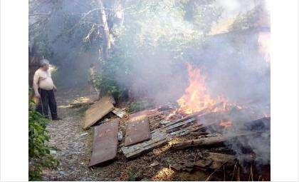 Пожар начался из-за тополиного пуха