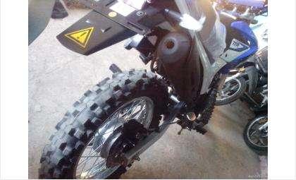 Кроссовые мотоциклы не предназначены для передвижения в городской черте. Фото с сайта avito.ru