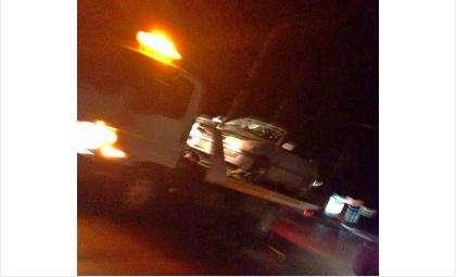 Водителя Тойоты в наручниках увезли в отдел МВД по Бердску, а его автомобиль - на штрафстоянку
