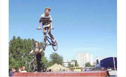 В Бердске очень активная молодежь. Фото - кадр из видео