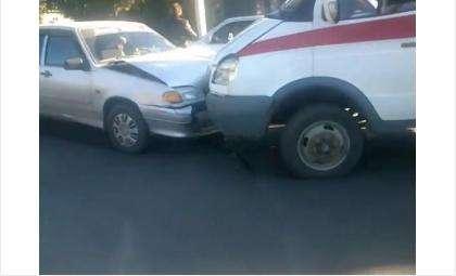 Скорая помощь попала в ДТП в День города Бердска