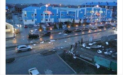Последствия шторма в Бердске вечером 7 апреля. Автор фото Ольга Заврина
