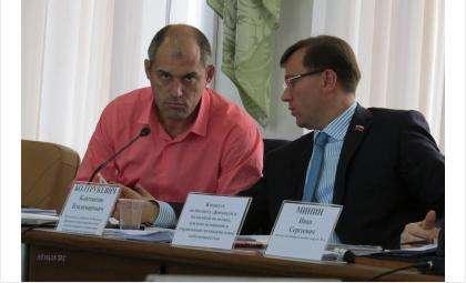 Действующие депутаты горсовета Бердска Андрей Ковальский и Константин Болтрукевич