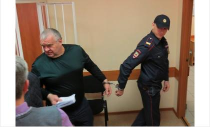Виктор Голубев по решению суда помещен под арест с 30 мая 2014 года по 30 марта 2015 года