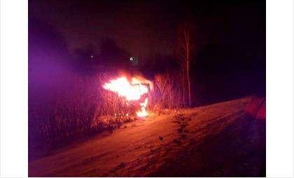 Фура полностью сгорела. Водитель не пострадал