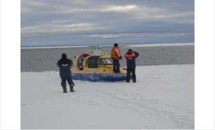 Огромная льдина оторвалась и унесла в море 38 рыбкаков