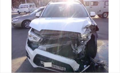 Автомобиль Мицубиси получил существенные повреждения