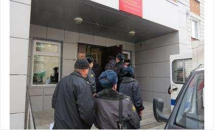 Организаторов подпольного нефтезавода судит федеральный суд Бердска