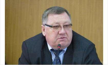 Начальник управления финансов Евгений Шмендель не смог предоставить депутатам конкретные расчеты по новым налоговым ставкам