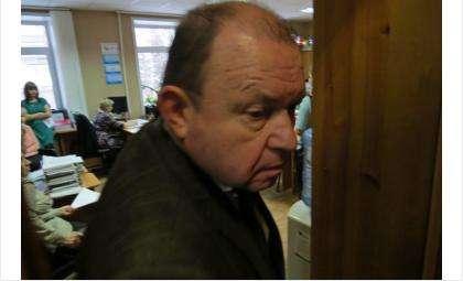 Председатель горсовета Бердска Валерий Бадьин захлопнул двери перед избирателями