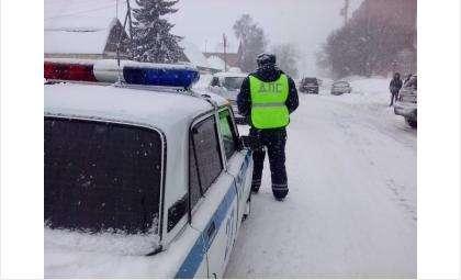 ГИБДД считает дорожные службы в большей части виновными в ДТП - снег вывозят плохо