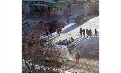 Совершивший наезд на пешехода водитель сбежал с места ДТП. Фото Марины Боженовой