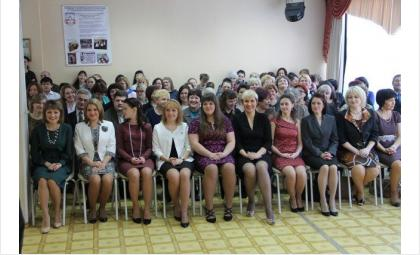 """За звание """"Учитель года -2015"""" в Бердске борются 10 учителей-женщин"""