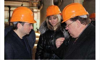 Директор КБУ Александр Кожин рассказал замминистру строитальства и ЖКХ РФ Андрею Чибису о состоянии бердской коммуналки