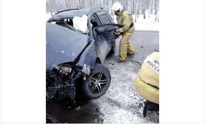 В результате лобового ДТП погибли шесть человек