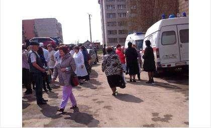 Из поликлиники в Бердске эвакуированы все люди из-за подозрения на взрывное устройство