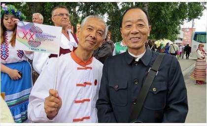В июле 2015 года в Бердск из КНР приезжала делегация, в составе которой были врачи