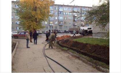 Жителям дома №43 на ул. Ленина перекопали единственную дорогу
