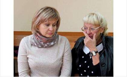 Наталья Ким и адвокат Людмила Кислицына в суде