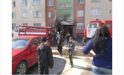 Горел дом №1 на ул. Горького в Бердске