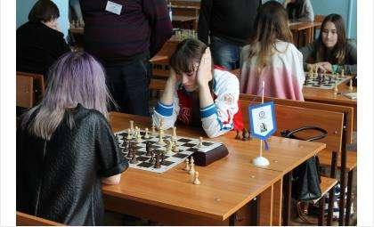 Победителем среди женщин стала международный мастер из Бердска Татьяна Хличкова