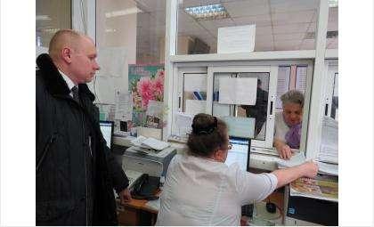 Вице-мэр по социальной сфере Евгений Чеботаев изучает работу больницы Бердска изнутри