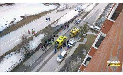 4-летний мальчик выпал с 9 этажа в Новосибирске