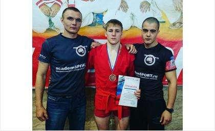 Борец бердского «Авангарда» занял третье место на турнире по боевому самбо