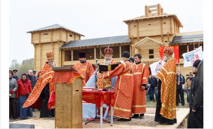 Освящение закладного камня будущего храма в Бердске. Фото М.Пучков