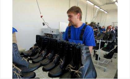 Берцы - новое направление обувной фабрики в Бердске
