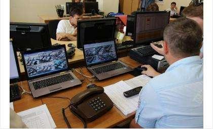 Видеонаблюдение за процедурой ЕГЭ. Фото: Анна Скудаева / Российская газета