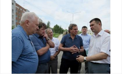 Губернатор Владимир Городецкий проверил качество ремонта дороги на ул. Ленина в Бредске