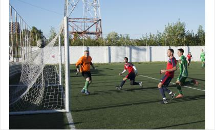 Бердский «Кристалл» - в полуфинале плей-офф чемпионата области по футболу!