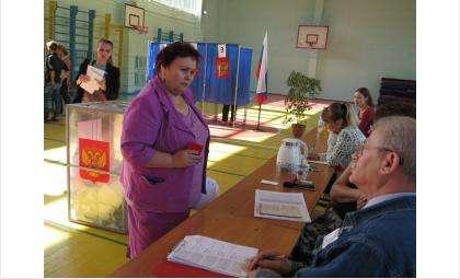 Председатель ТИК Бердска Галина Лаптева лично проверяет соблюдение закона о выборах на избирательных участках в Бердске