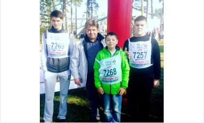 Глава Бердска Евгений Шестернин и участники Кросса Нации-2016