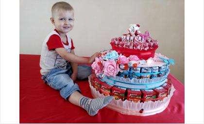 Толя Белов родился в Бердске 20 октября 2012 года и стал 100-тысячным жителем города