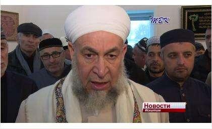 Шейх Абдурзак Асадий считается потомком известного пророка Мухаммеда
