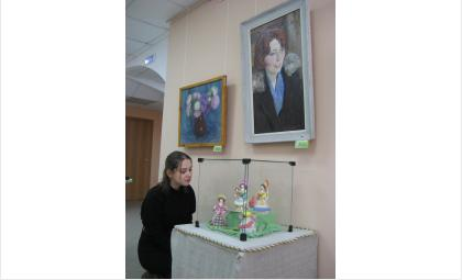 «Цветы для мамы» - в музее Бердска открыта художественная выставка
