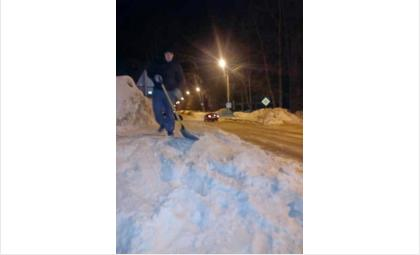 """Вывоз снега! Точнее его отсутствие! """"Монолит"""" просит терпеть, мол, снега много"""