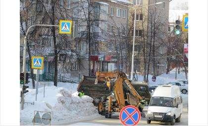 Дороги Бердска от снега очищает муниципальное предприятие ЦМУ
