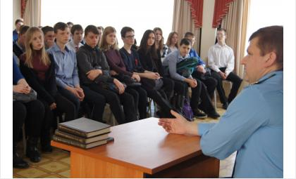 Встречи прокурора Бердска Романа Сивака со школьниками стали традицией