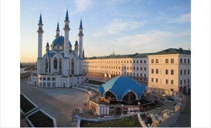 Кул-Шариф - главная мечеть республики Татарстан, расположена на территории Казанского кремля. По соседству стоит православный комплекс Благовещенского собора