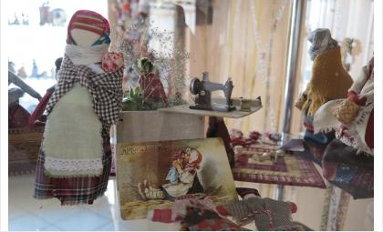 30 апреля завершается работа выставки кукол